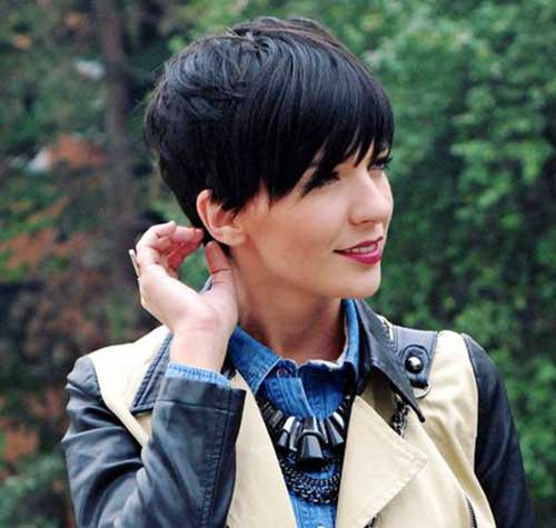 Stylish-Pixie Charming Short Brunette Hairstyles
