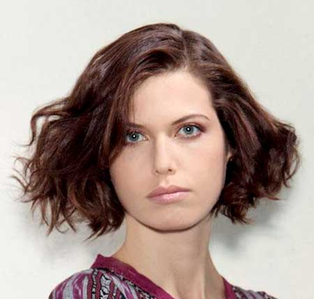 The-1960's-Wavy-Bob-Hairstyle-for-Women Short Wavy Hairstyles 2019