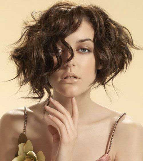 Wavy-Thick-Bob-Haircut Best Wavy Bob Hairstyles