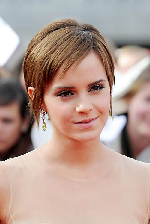 emma-watson-with-bangs Very Short Haircuts with Bangs for Women