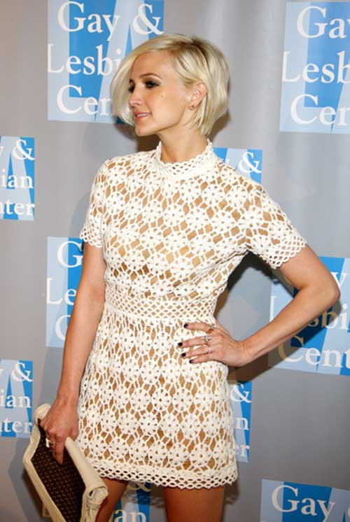 Ashlee-Simpson's-Short-Hair-with-Blonde-Color Short Hair with Color 2019