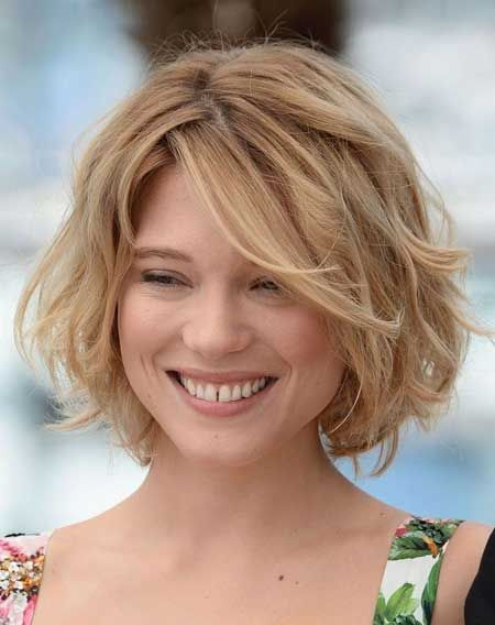 Cute-Short-Wavy-Bob-Hairstyle Glamorous Wavy Hairstyles