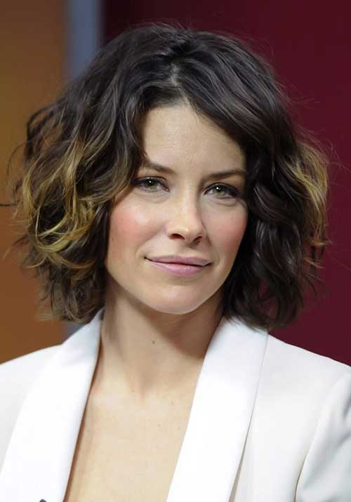 Evangeline-Lilly's-Short-Wavy-Hairstyle Female Celebrity Short Haircuts 2015