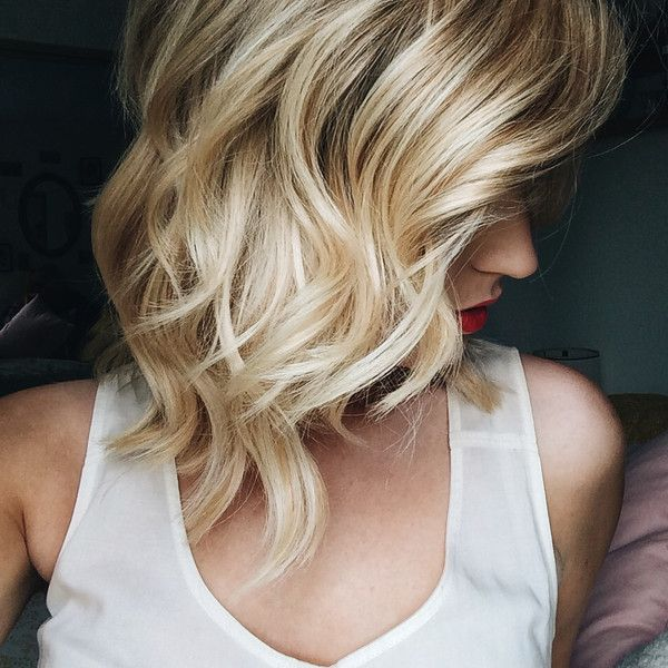 Glamorous-Medium-Wavy-Hairstyle Glamorous Wavy Hairstyles