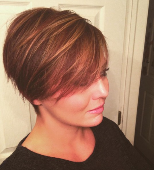 Long-Pixie-Hairstyle-with-Highlights Beautiful Short Hairstyles for Round Faces 2019