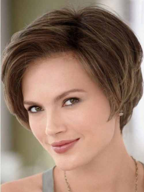 Neat-and-sleek-bob Hypnotic Short Hairstyles for Women with Square Faces