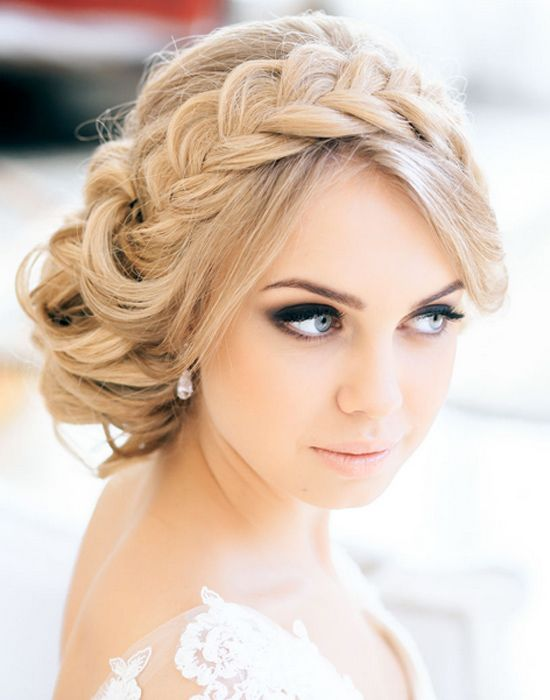 Retro-Wedding-Hairstyle-With-Braid Elegant Retro Hairstyles 2019 – Vintage Hairstyles for Women