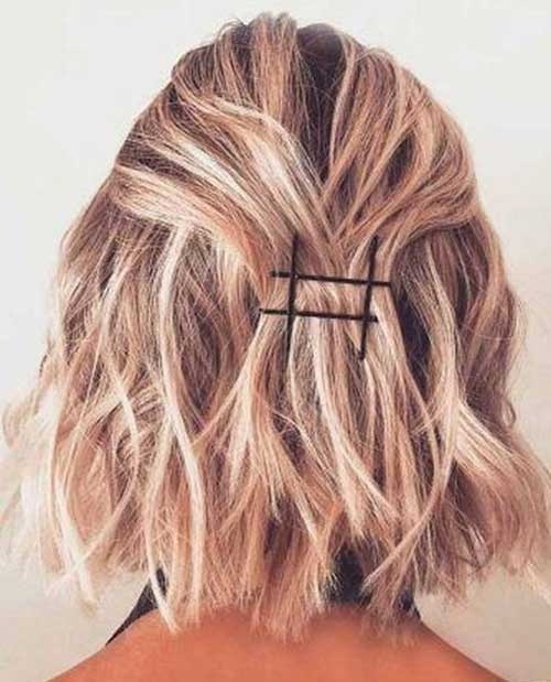 Simple-Half-Up-Hairstyle-for-Short-Wavy-Hair Easy Hairstyles for Short Wavy Hair with Best Ways