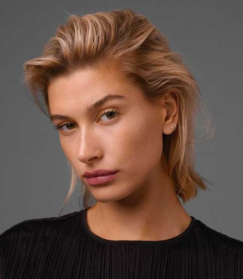 Slicked-Back-Hairstyle Hailey Baldwin Short Hair 2019