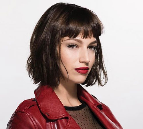 Tokyo-Bangs-Hairstyle Most Pretty Short Wavy Hair with Bangs Ideas
