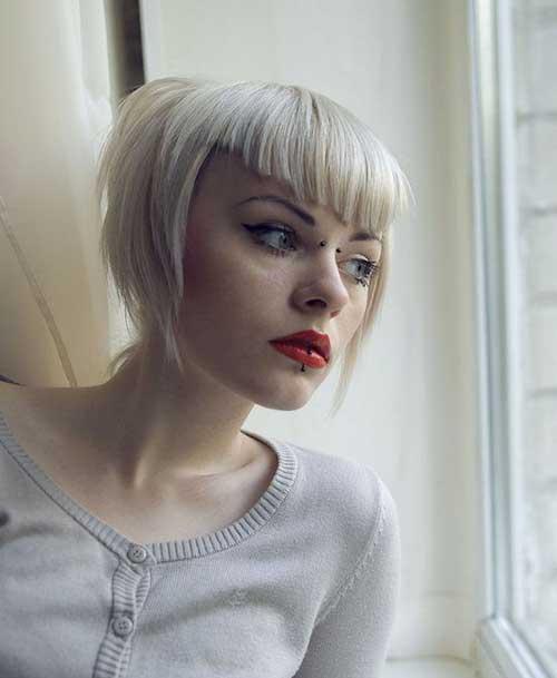 V-Bangs-Short-Hair Most Beloved Short Haircuts with Bangs