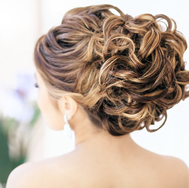 Wedding-Hairstyles-13 Romantic Wedding Hairstyles for 2019