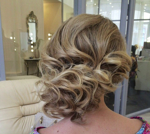 Wedding-Hairstyles-5 Romantic Wedding Hairstyles for 2019