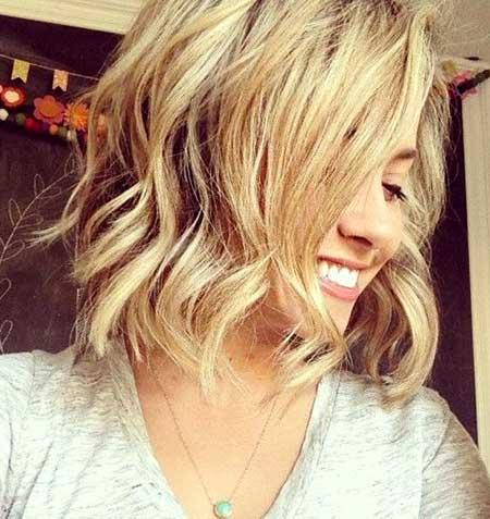 Beachy-Waves-for-Short-Hair Best Short Haircuts for Wavy Hair