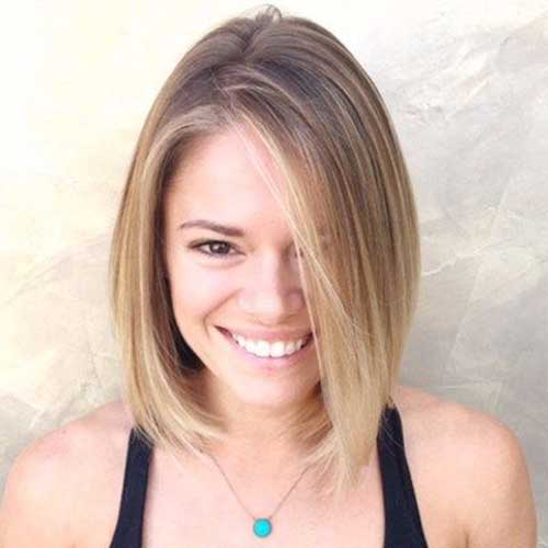 Blonde-Fringe Short Thin Hairstyles to Easily be Feminine