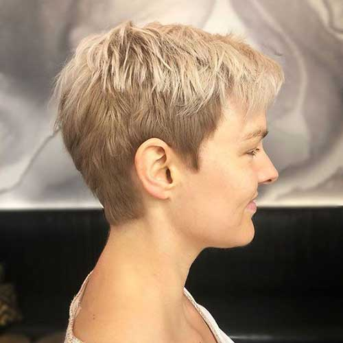 Boyish-Haircut Short Hairstyles for Women Over 40 to Explore New Look
