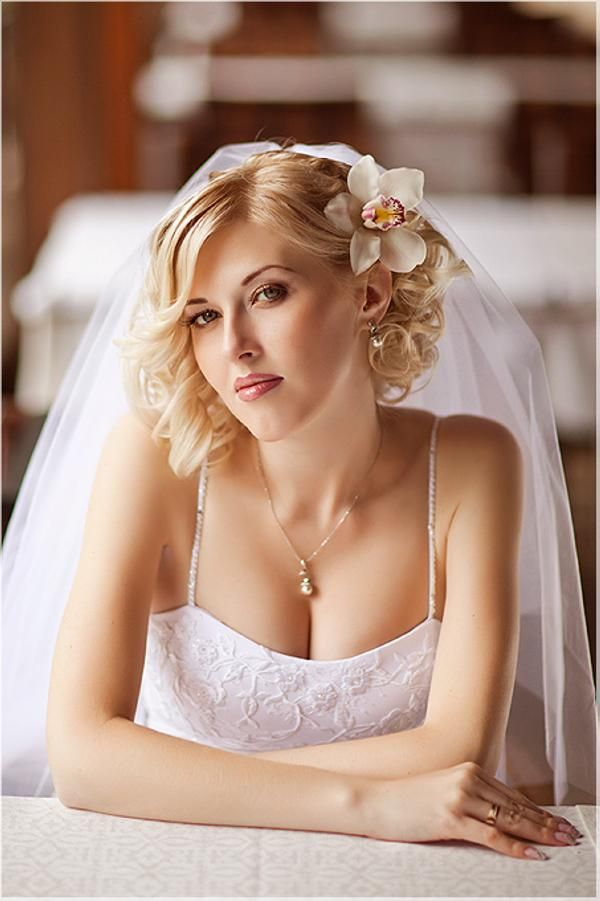 Curly-Bob-Wedding-Hairstyle Perfect Curly Wedding Hairstyles