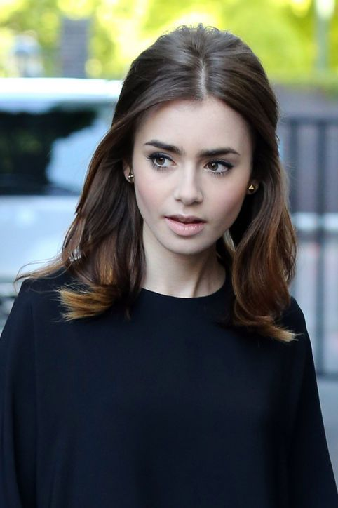 Fashionable-Half-up-Half-done-Hairstyle Fashionable Mid-Length Hairstyles for Fall – Medium Hair Ideas