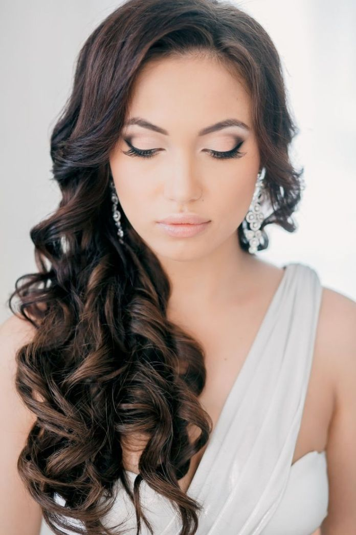Great-Long-Brunette-Curly-Wedding-Hairstyle Perfect Curly Wedding Hairstyles