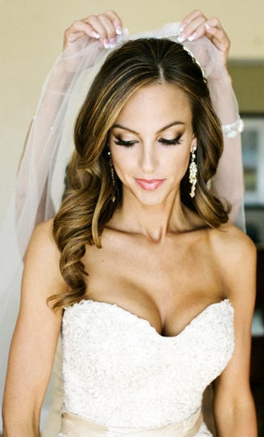 Great-Long-Curly-Wedding-Hairstyle Perfect Curly Wedding Hairstyles