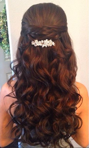 Half-Up-Half-Down-Wedding-Hairstyle Super Charming Wedding Hairstyles for 2019