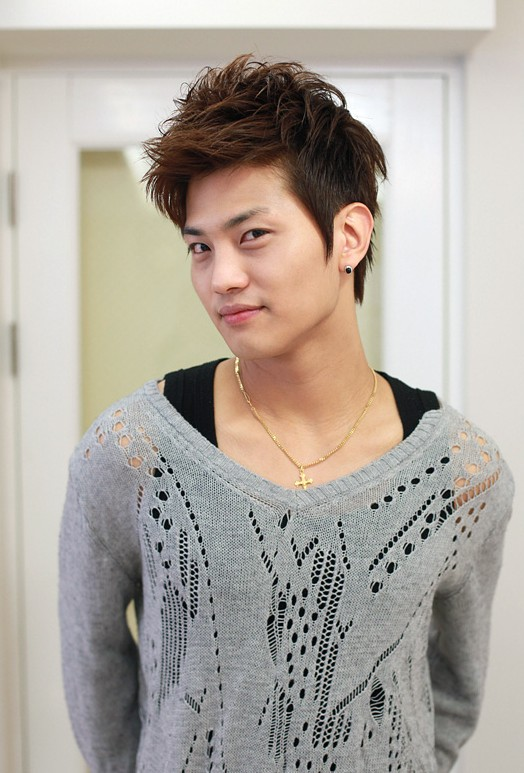 Korean-hairstyles-for-young-boys Cool Korean and Japanese Hairstyles for Asian Guys