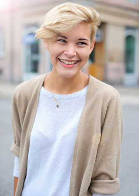 Lovely-Pixie-Cut-with-Wind-swept-Bangs New Cute Short Haircuts