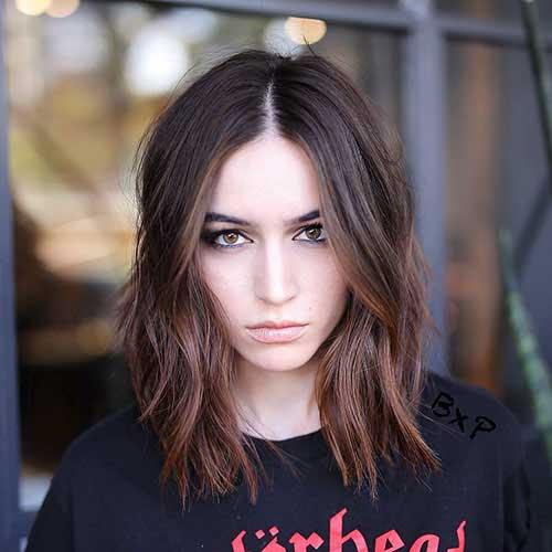 Medium-Short-Hair Popular Short Layered Hairstyle Ideas