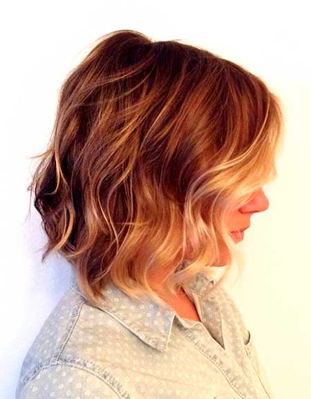 Side-View-of-Wavy-Hairdo-for-Girls Best Short Haircuts for Wavy Hair