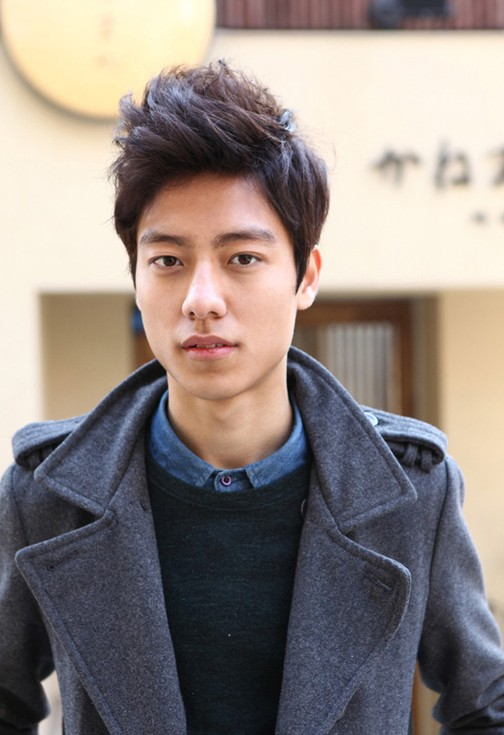 Trendy-Asian-haircut-for-men Cool Korean and Japanese Hairstyles for Asian Guys