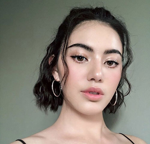 Wavy-Bob-Half-Up Latest Alternatives About Hairstyles for Short Wavy Hair 2019