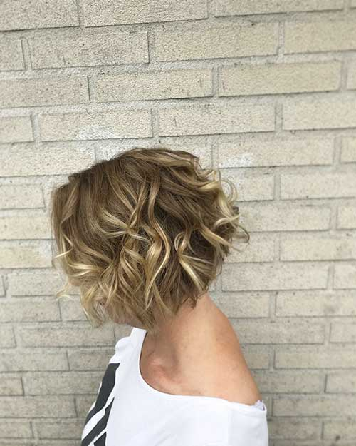 short-curly-hairstyles-for-women-2 Best Short Haircuts for Women with Curly Hair