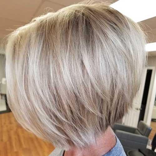 short-layered-bob-2 Popular Short Layered Hairstyle Ideas