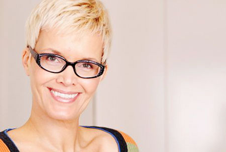 12-Short-Hairtyles-for-Women-Over-60-with-Glass-568 Short Hairstyles for Fine Hair Over 60