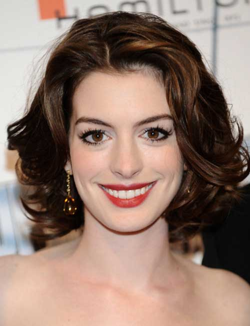 Anne-Hathaway's-Curly-Short-Hairstyle Celebrity Short Curly Hairstyles