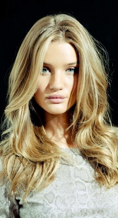 Blond-Long-Layered-Wavy-Hairstyle Fabulous Long Layered Hairstyles
