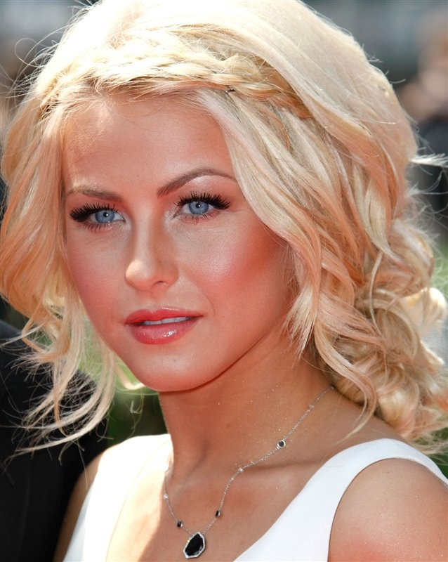 Blonde-Shag-with-Front-Braid Worth Trying Curly Hairstyles with Braids