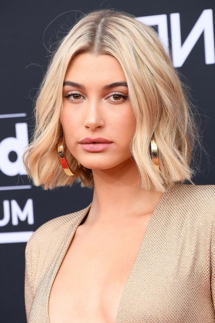 Casual-Razor-Cut-Lob Cute Bob Haircuts for Women to Look Charming