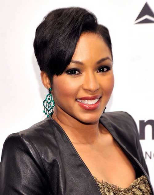 Chic-Short-Hair-with-Side-Parted-for-African-American-Women Short Hairstyles 2019 Trends