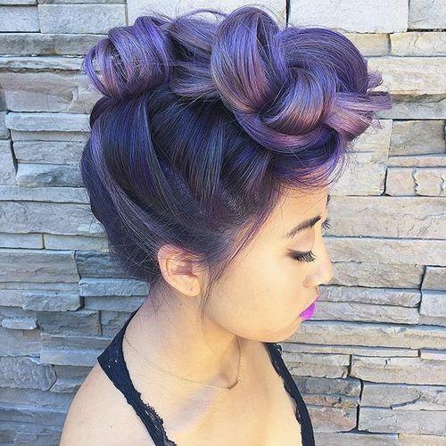 French-Braided-Faux-Hawk Faux Hawk Hairstyle for Women – Trendy Female Fauxhawk Hair Ideas