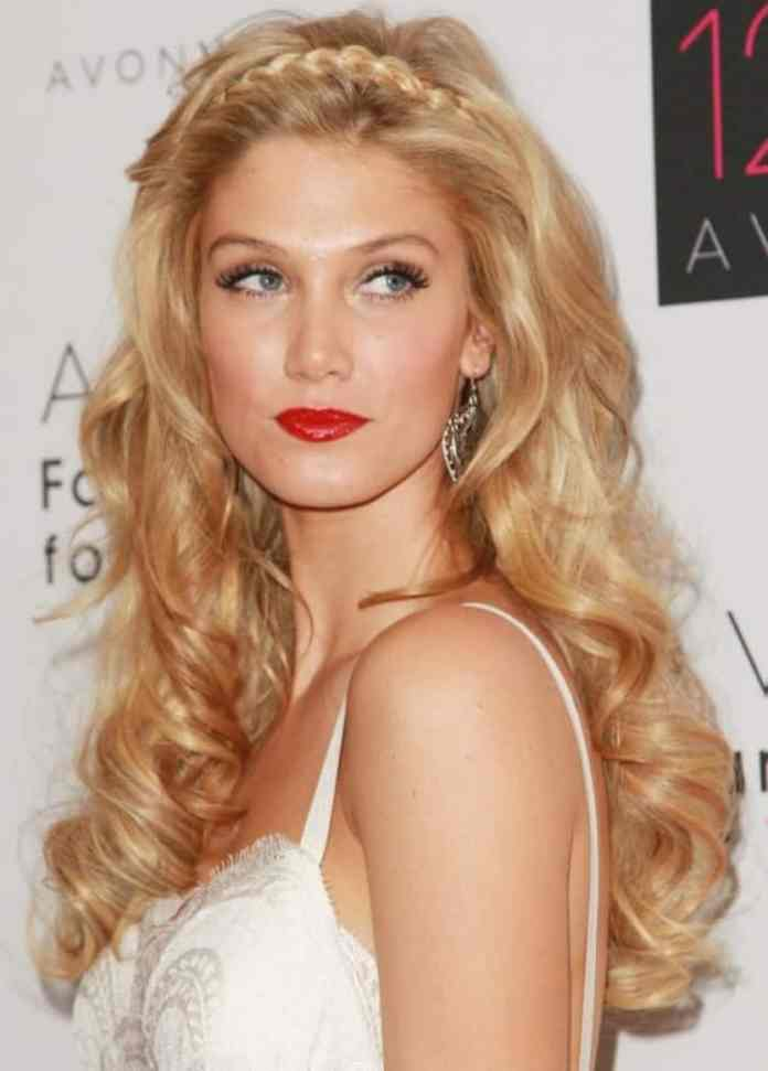 Head-Band-Braid-Hair-with-Golden-Locks Worth Trying Curly Hairstyles with Braids