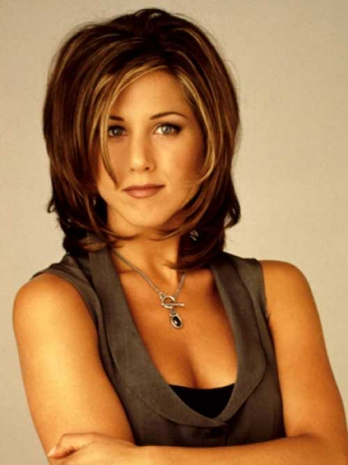 Jennifer-Aniston's-Short-Haircut-with-Highlights Short Hairstyles 2019 Trends