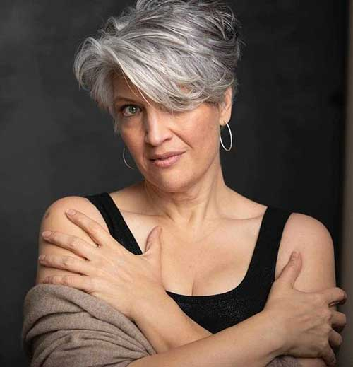 Layered-Cut-1 Ideas of Short Hairstyles for Women Over 50