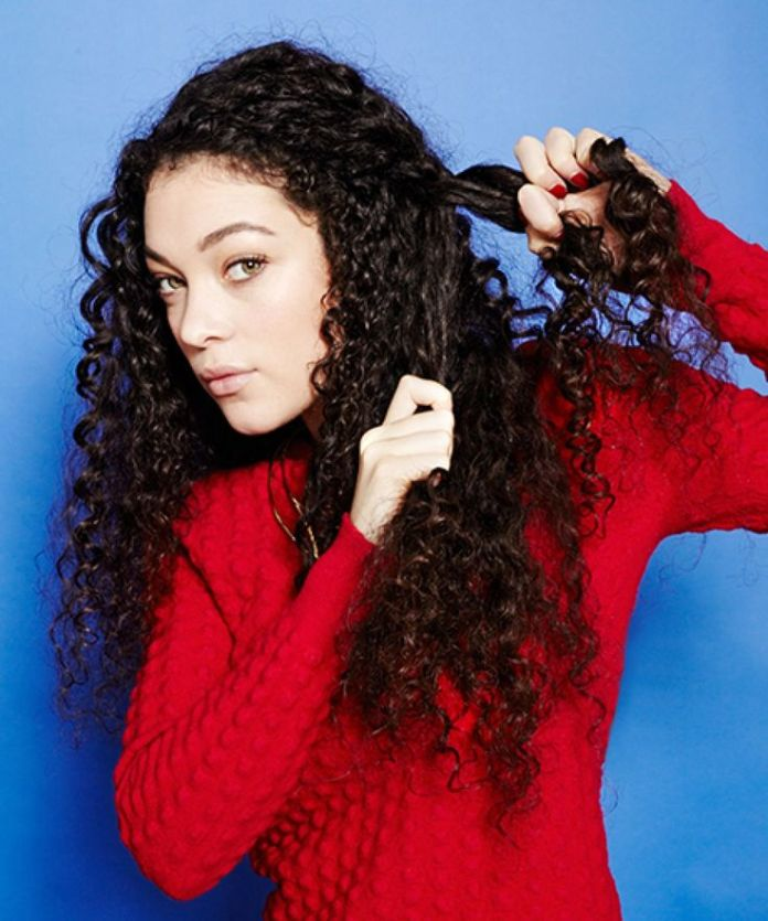 Narrow-Curly-String Worth Trying Curly Hairstyles with Braids