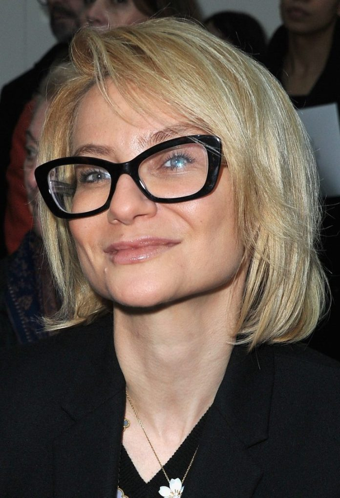 Neck-Length-Haircut-For-Thin-Hair Hairstyles for Women Over 50 With Glasses