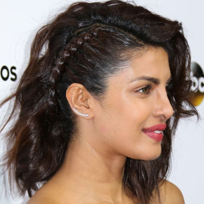 One-Sided-Twist-in-the-Hair Simple Medium Hairstyles for Stunning Look
