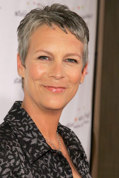 Short-and-Silver Best Short Pixie Cut Hairstyles - Cute Pixie Haircuts for Women