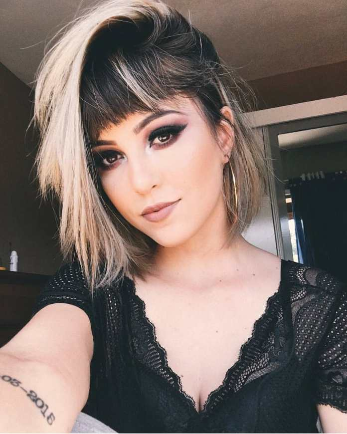 Bangs-Complimenting-Short-Hairstyle-with-Highlights Style Personified Short Hairstyles for Young Women