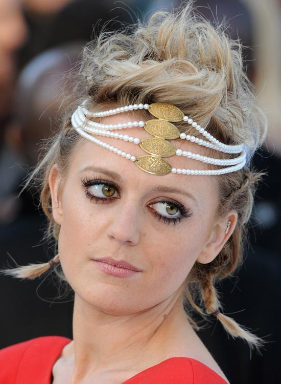 Beaded-Syndromes Best Hippie Hairstyles