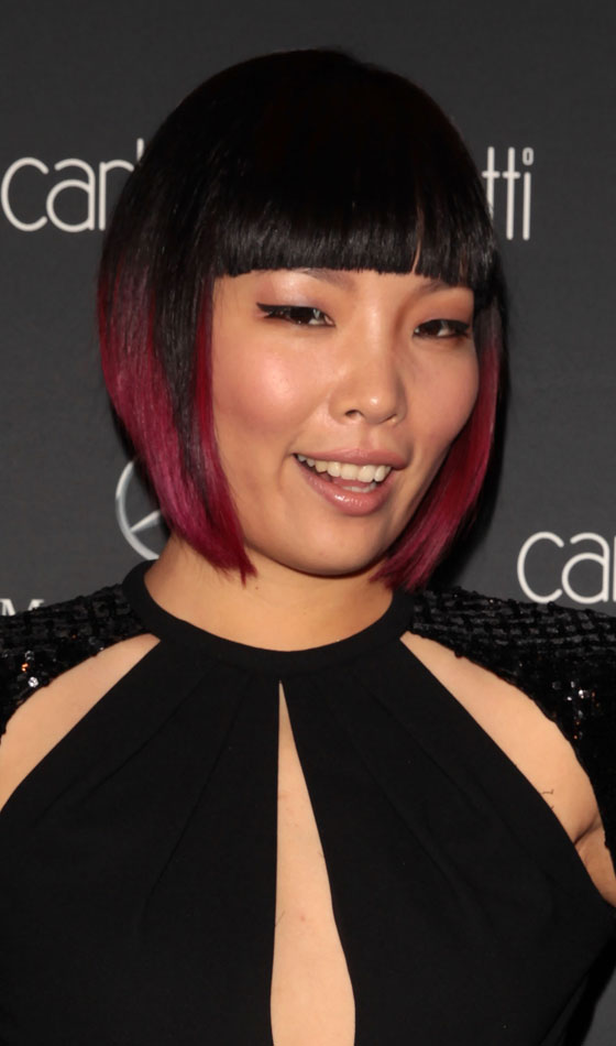 Bob-With-Blunt-Bangs-And-Red-Highlights-1 Trendy Graduated Bob Hairstyles You Can Try Right Now